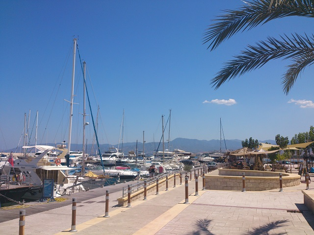 Boot Latchi Hafen